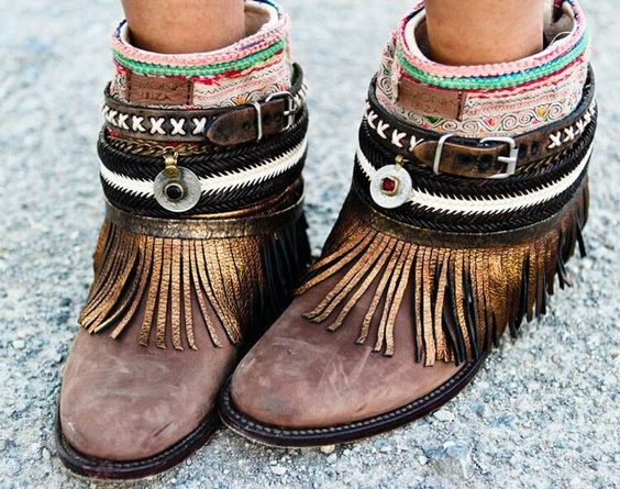 Tanger Outlets_Boho Boots