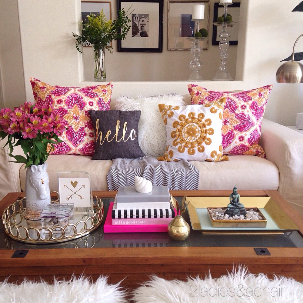 Tanger Outlets_Throw Pillows
